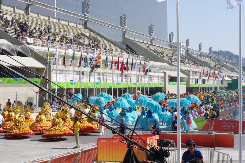 Escuela de la samba en Sambodromo en Rio de Janeiro imagen de archivo libre de regalías