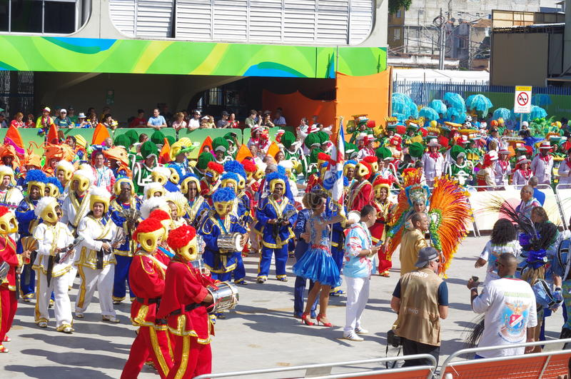 Escuela de la samba en Sambodromo en Rio de Janeiro fotografía de archivo libre de regalías