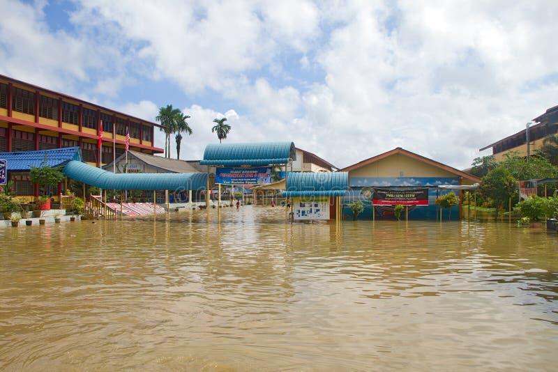 Escuela en la inundación imagen de archivo