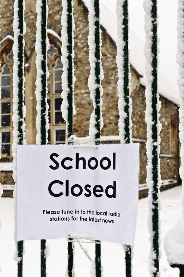 Escuelas hacia fuera imagen de archivo