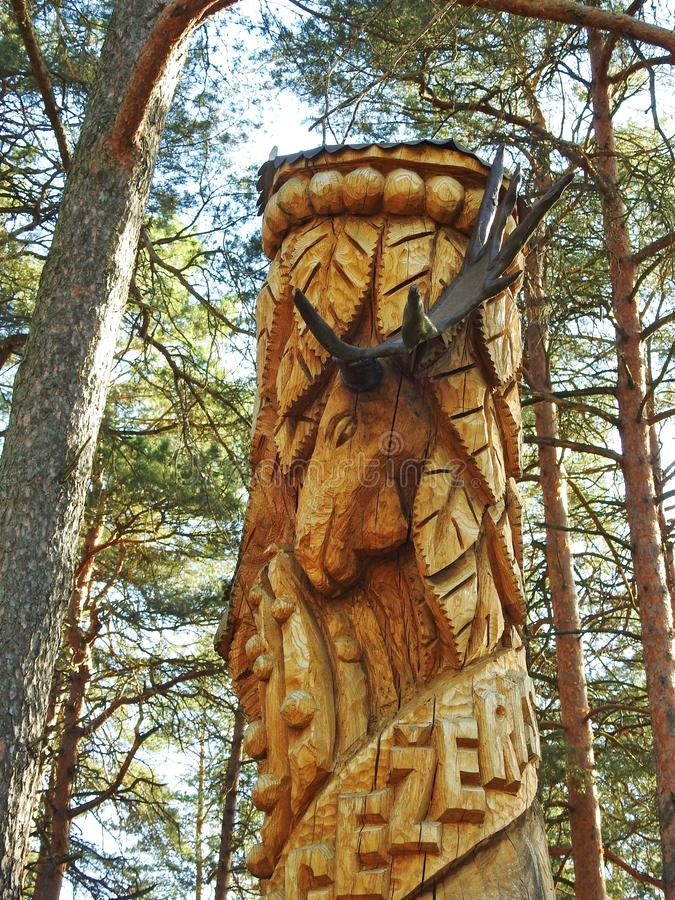 Escultura - alce no parque, Litu?nia foto de stock