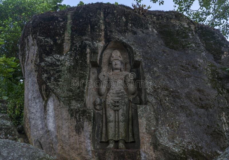 Escultura budista santamente antiga Kushta Raja Gala fotos de stock