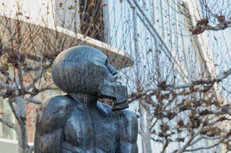 Escultura contemporânea David da rua de Francoforte Zeil e colosso imagem de stock