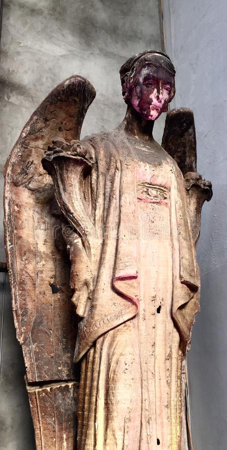 Escultura da cara do anjo da casca fotos de stock