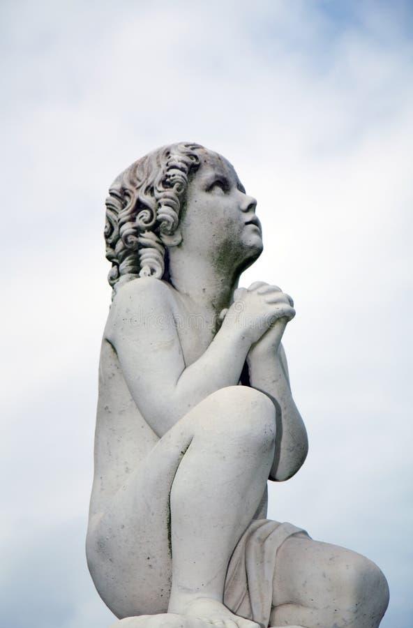 Escultura da criança fotos de stock royalty free