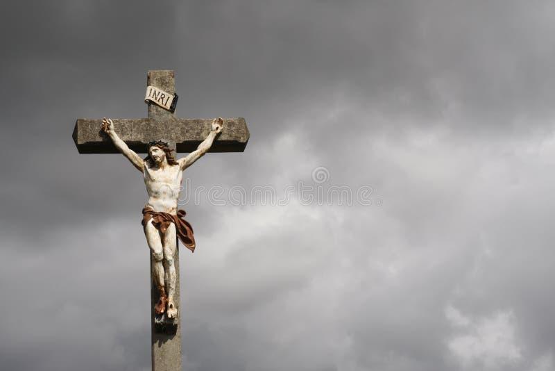 Escultura da crucificação do Jesus Cristo fotos de stock royalty free