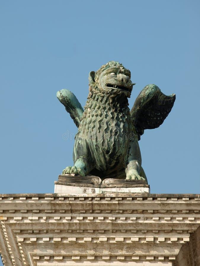 Escultura da quimera no Piazetta - a Veneza. fotos de stock