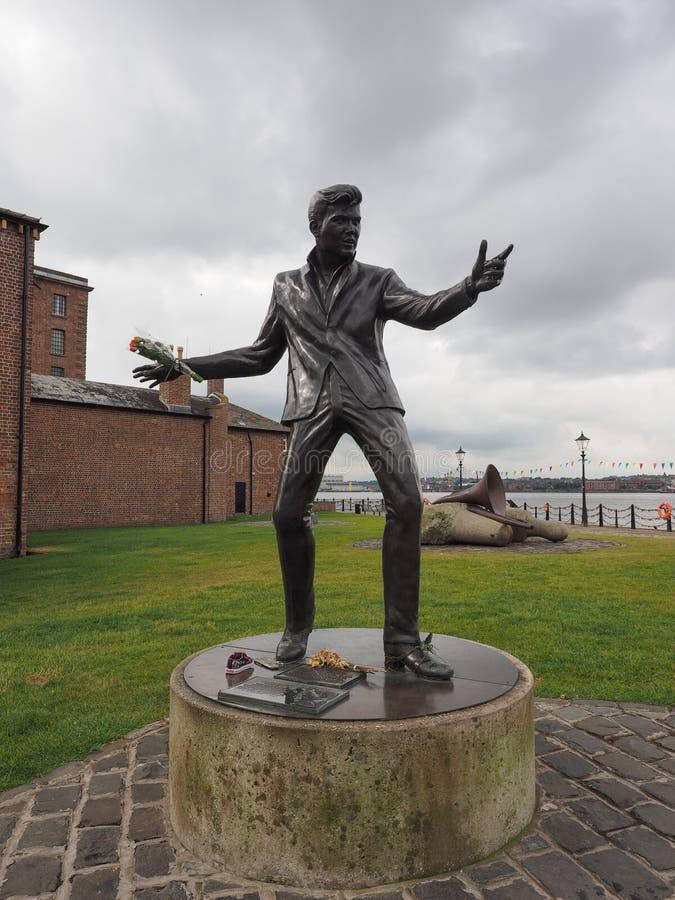 Escultura de Billy Fury em Liverpool foto de stock royalty free