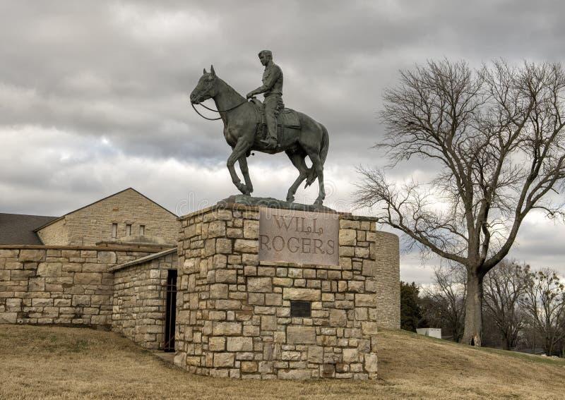 Escultura de bronce de la voluntad Rogers a caballo, Claremore, Oklahoma imagen de archivo