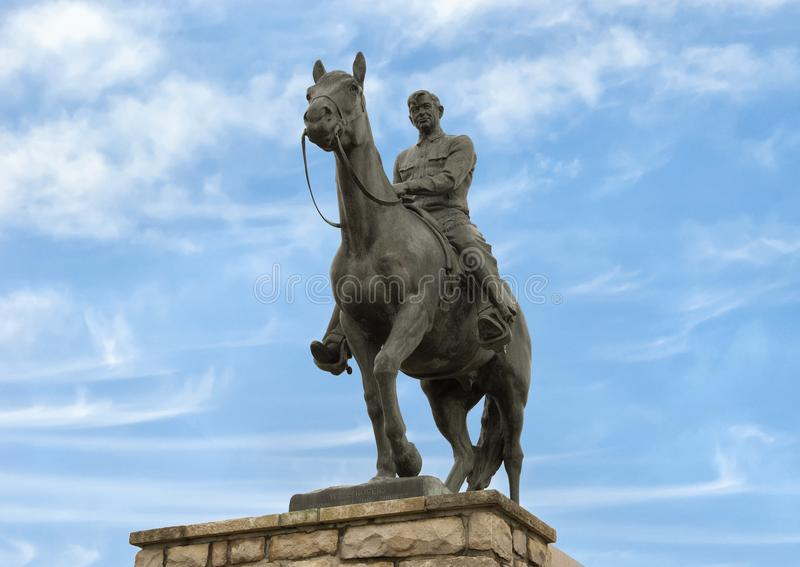 Escultura de bronce de la voluntad Rogers a caballo, Claremore, Oklahoma imagen de archivo libre de regalías