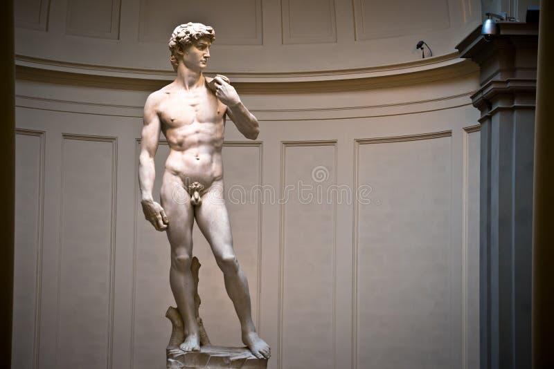 Escultura de David por los wordls de Miguel Ángel la mayoría de la estatua famosa fotografía de archivo libre de regalías
