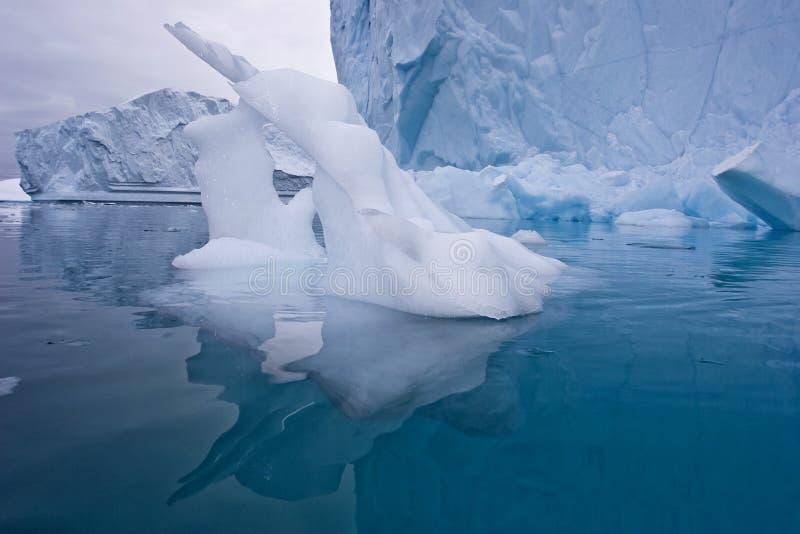 Download Escultura de gelo imagem de stock. Imagem de sculpture - 12804291