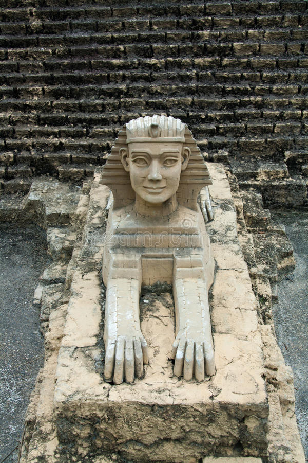Escultura de la esfinge del guarda imagen de archivo libre de regalías