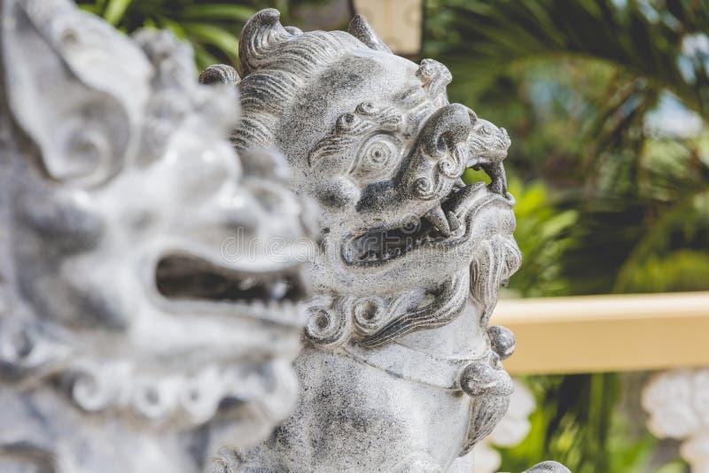 Escultura de la pagoda y del dragón del templo del Taoist en Cebú, Philip imagen de archivo