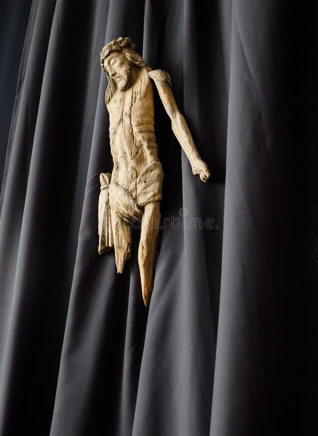 Escultura de madeira de Jesus imagens de stock