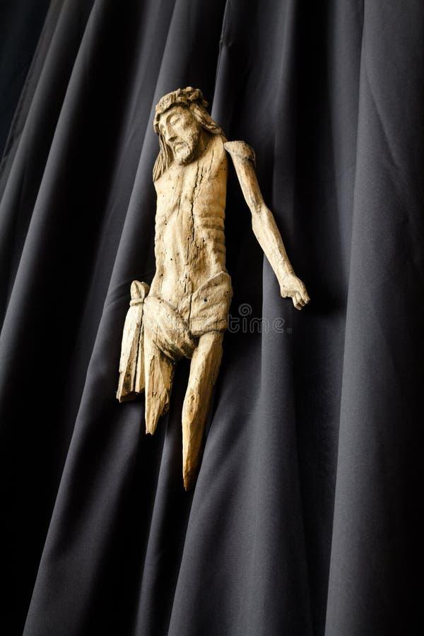 Escultura de madeira de Jesus fotos de stock