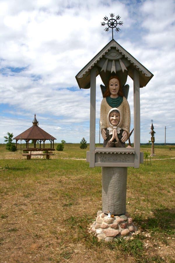 Escultura de madeira lituana tradicional fotos de stock