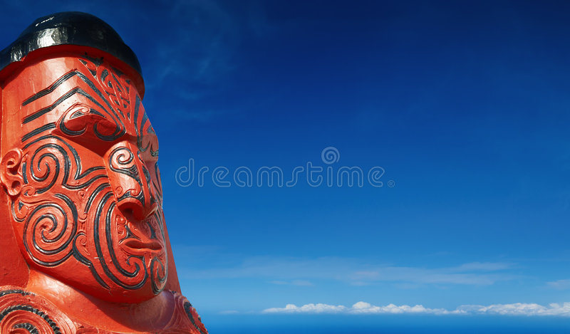 Escultura de madeira maori tradicional fotografia de stock royalty free