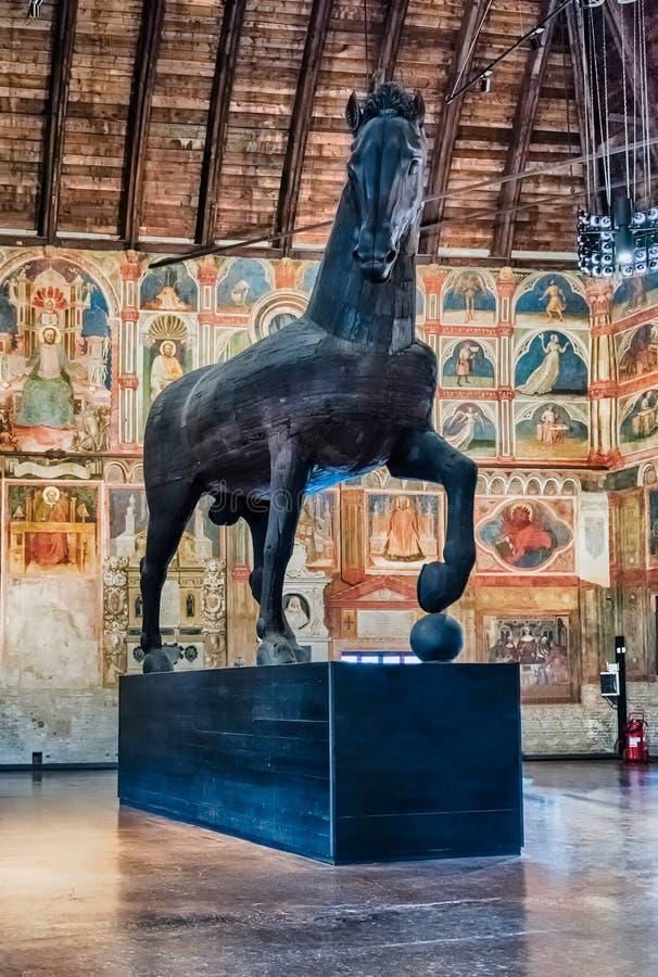 Escultura de madera de un caballo, della Ragione, Padua, Italia de Palazzo fotos de archivo