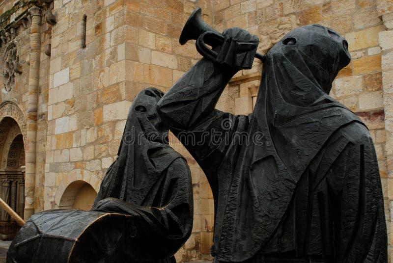 Escultura de monges do Capuchin em Palencia, Espanha foto de stock royalty free
