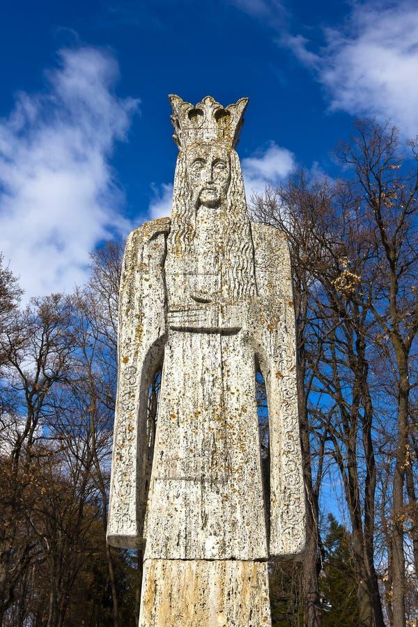 Escultura de Neagoe Basarab - senhor romeno medieval foto de stock royalty free