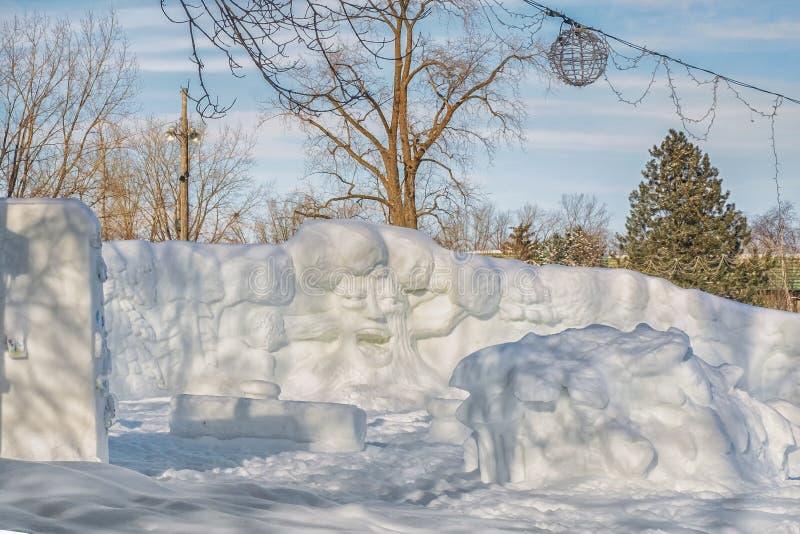 Escultura de nieve en Ste-Rose Laval imagenes de archivo