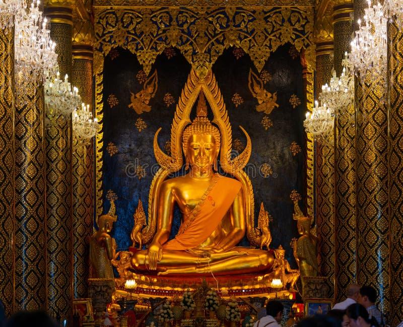 Escultura de oro famosa de Buda en Tailandia imágenes de archivo libres de regalías