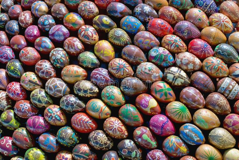 A escultura de ovos de Easter da pintura imagens de stock
