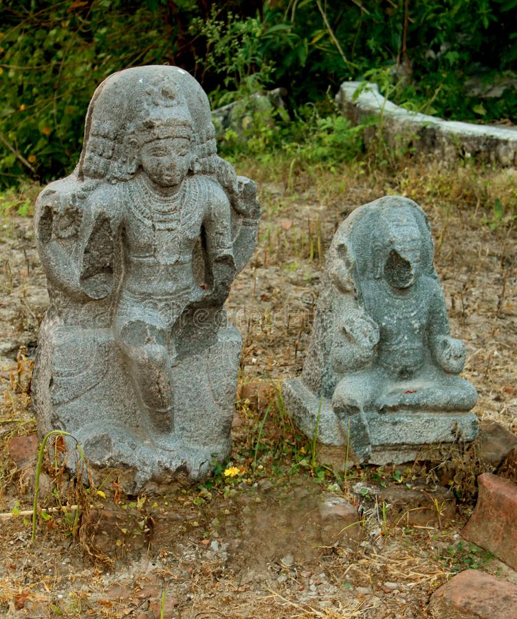 Escultura de pedra histórica rachada antiga fotografia de stock royalty free