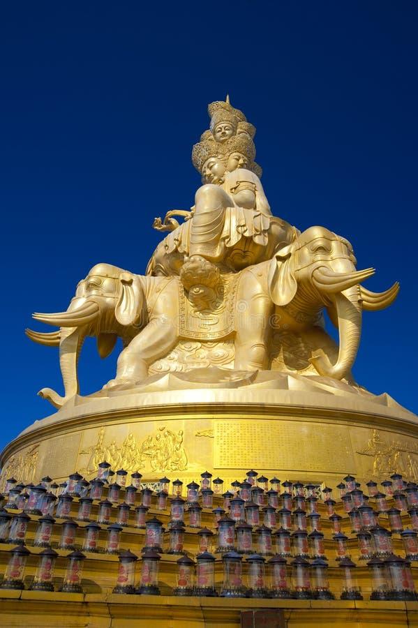 A escultura de Samantabhadra Budda na montagem de Emei fotografia de stock royalty free