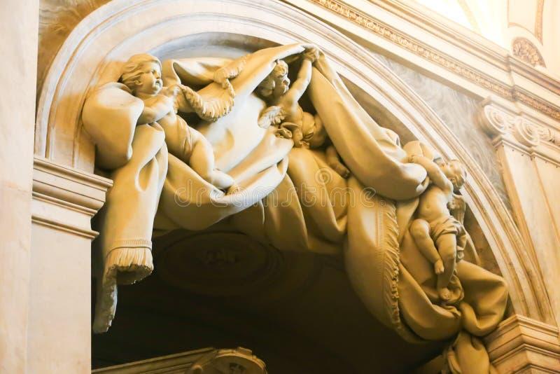Escultura de St Peter Basilica, Vaticano imagens de stock
