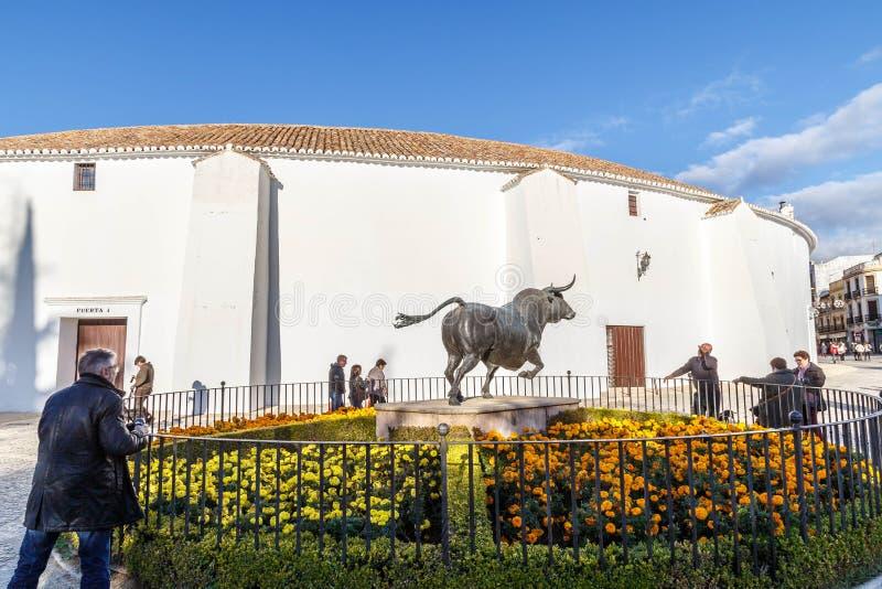 Escultura de toros en Ronda, Andalucía foto de archivo libre de regalías