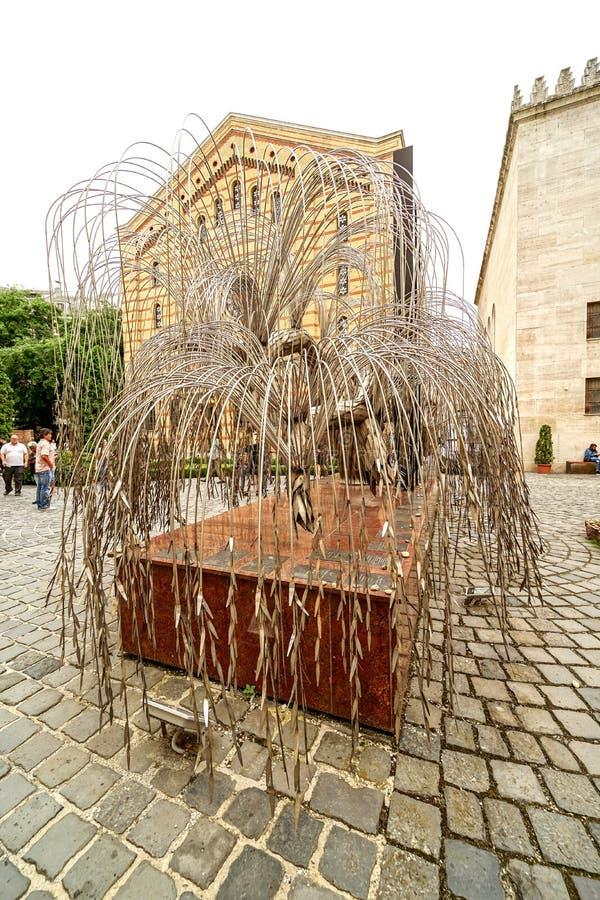Escultura del árbol de la vida en la gran sinagoga fotos de archivo libres de regalías