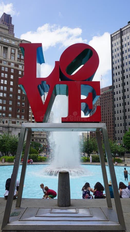 Resultado de imagen de esculturas sobre el amor