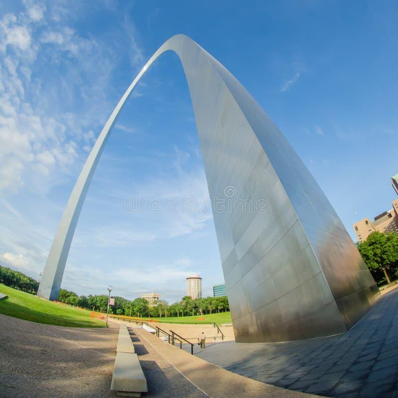 Escultura del arco de la entrada en St Louis Missouri foto de archivo