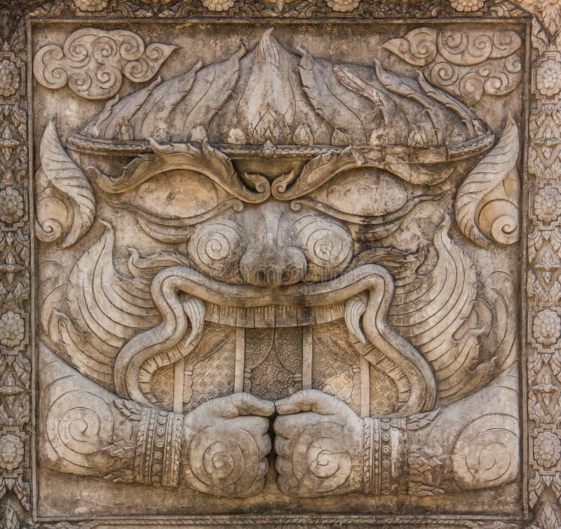 Escultura del bajorrelieve de Hanuman de Ramayana, una de las grandes epopeyas hindúes fotos de archivo libres de regalías