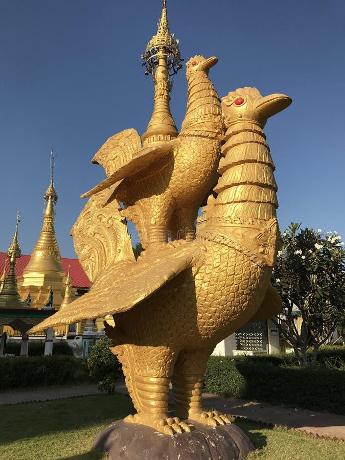 Escultura del cisne fotografía de archivo