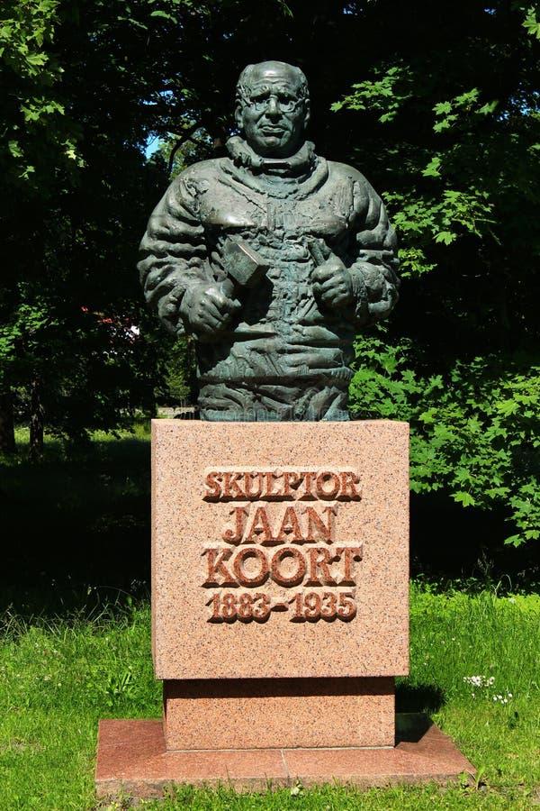 Escultura del escultor estonio famoso en Tallinn, Estonia fotografía de archivo libre de regalías