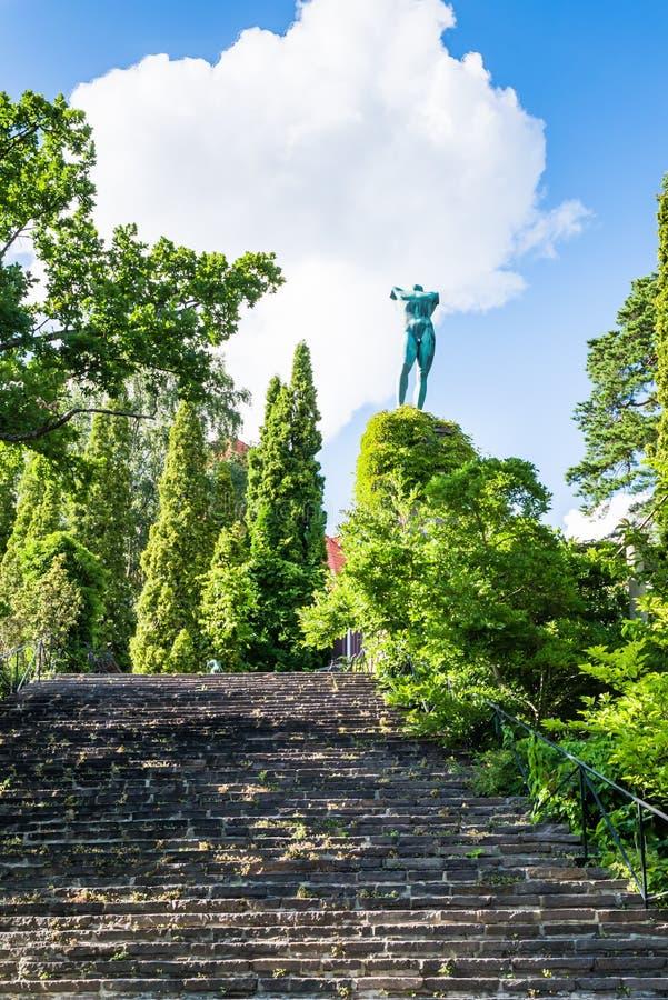Escultura do cantor de The Sun no museu de Millesgarden em Éstocolmo, Suécia imagens de stock
