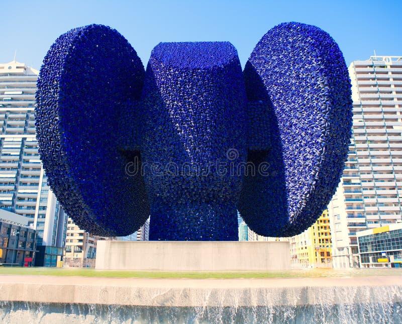 Escultura do de Elche do Dama em Valencia Avenida de les Corts imagens de stock