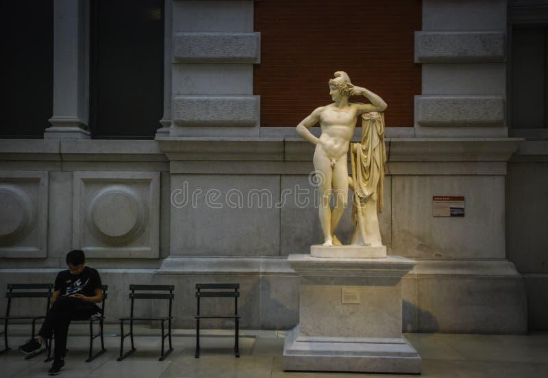 Escultura en el museo de arte metropolitano en Nueva York foto de archivo libre de regalías