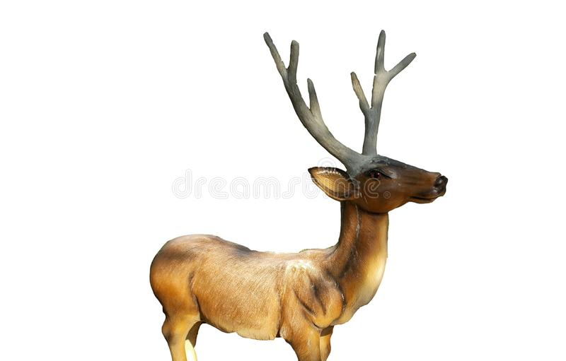 Escultura estando da resina da rena isolada nos fundos brancos imagem de stock royalty free