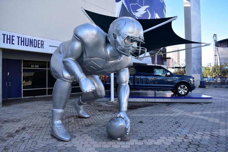 Escultura gigante do jogador de beisebol foto de stock royalty free
