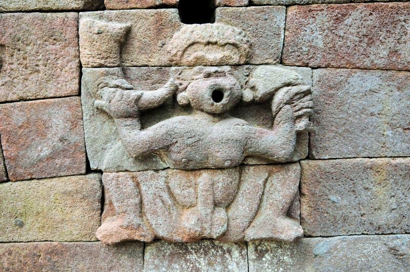 Escultura hindú erótica en Java, Indonesia imágenes de archivo libres de regalías