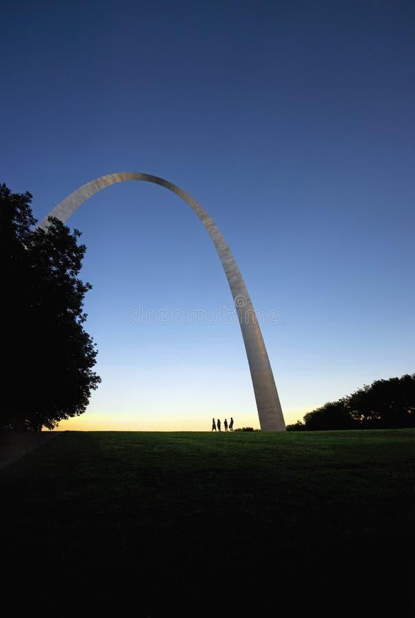 Escultura moderna do arco em St Louis Missouri imagem de stock