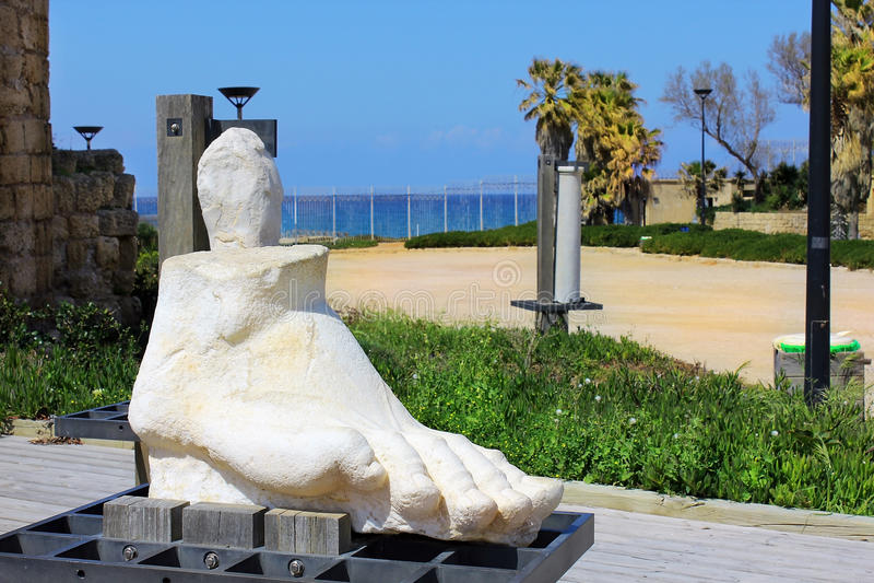 Escultura moderna em Caesarea Maritima, Israel fotografia de stock royalty free