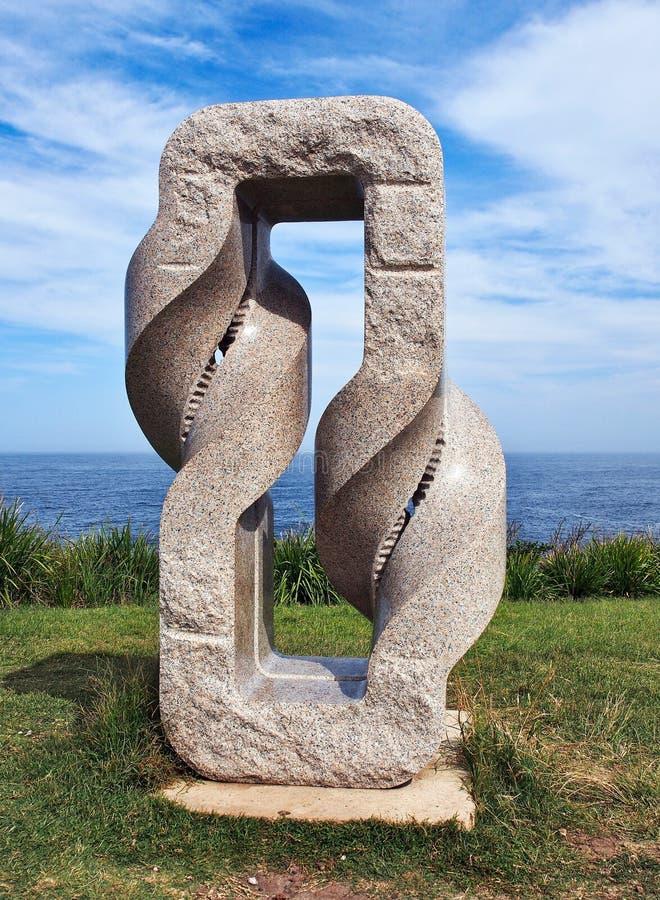 Escultura moderna grande del granito, Bronte, Sydney, Australia imagenes de archivo