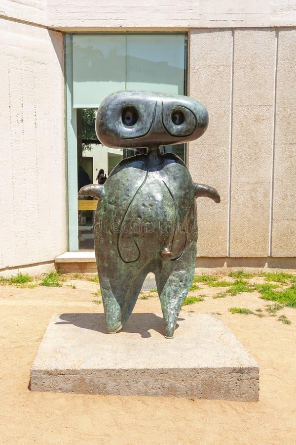 Escultura no museu da fundação Joan Miro, Barcelona, Espanha foto de stock