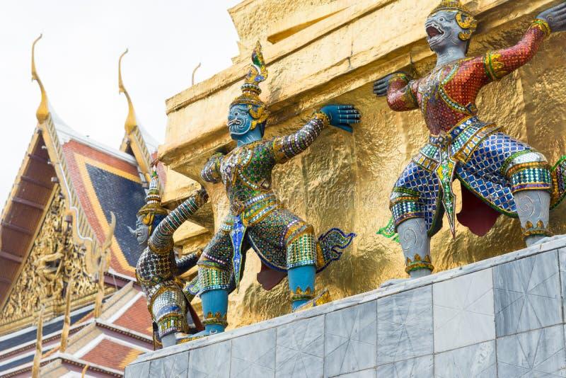 Escultura no palácio grande fotografia de stock