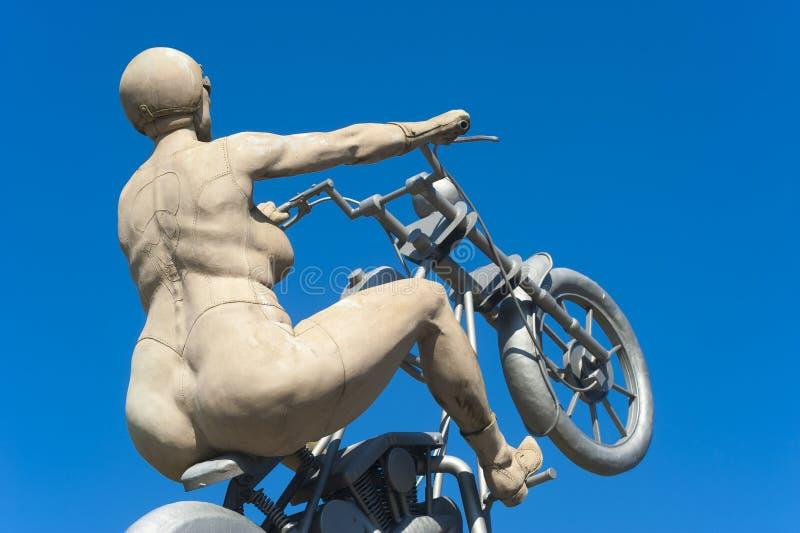 A escultura a noiva do balancim em Hirsau fotos de stock royalty free